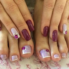 31 Fotos de Unhas Decoradas com Esmalte Roxo Pretty Toe Nails, Cute Toe Nails, Pretty Nail Art, Toe Nail Art, Acrylic Nails, Nagellack Design, Summer Toe Nails, Toe Nail Designs, Perfect Nails