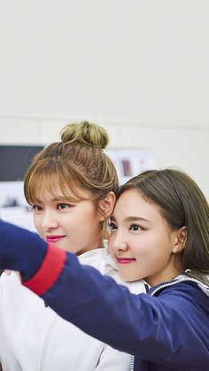 Bts Twice, Twice Jungyeon, Twice Kpop, Kpop Girl Groups, Korean Girl Groups, Kpop Girls, Im Nayeon, Reality Tv Shows, Korean Music