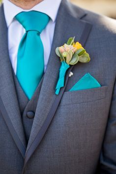 Love the matching! View the full wedding here: http://thedailywedding.com/2016/05/06/turquoise-beachside-wedding-aimee-steven/