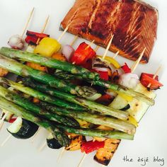 Belly full of goodness. Dinner on Sunday. Vegetable kebabs, asparagus and smoked salmon all prepared on my griddle. Look out for the recipe on the blog.  #dinner #vegetables #veggies #kebabs #salmon #asparagus #healthyfood #foodporn #yummy #delicious #summer #food #happy #howesjeeats
