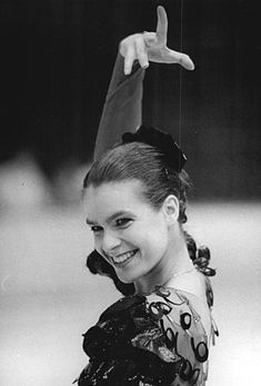 How to Love Davey: Katarina Witt (Olympic Figure Skater) Katarina Witt, Olympic Ice Skating, Alphonse Daudet, Tessa Virtue Scott Moir, Nostalgia, Beautiful Athletes, Olympic Athletes, Women Figure, Sports Stars