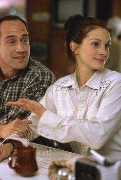 Coach Bob Kelly (Christopher Meloni) and Maggie Carpenter (Julia Roberts) ~ Runaway Bride (1999) ~ Movie Stills