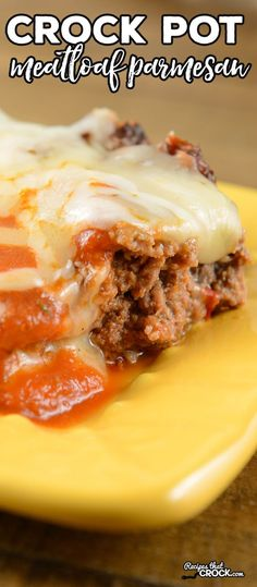 Crock Pot Meatloaf Parmesan - Recipes That Crock! Are you looking for a great crock pot meatloaf recipe? This Crock Pot Meatloaf Parmesan is a HUGE hit at our house for family dinner and it is also gr Crock Pot Slow Cooker, Crock Pot Cooking, Slow Cooker Recipes, Low Carb Recipes, Crockpot Recipes, Cooking Recipes, Crock Pots, Weekly Recipes, Healthy Recipes