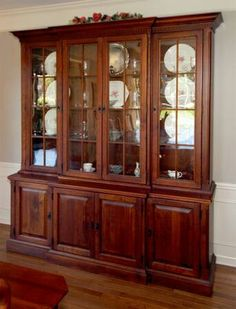 Love Dining Room Furniture, Dining Furniture, Vintage Furniture, Crockery Cabinet, China Cabinet, Woodworking Furniture, Wood Crafts, Bookcase, Side Board
