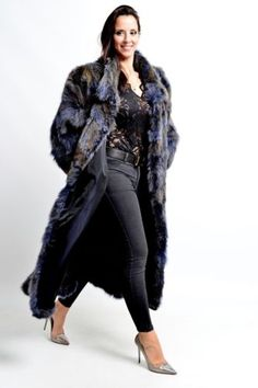 COLORED BLUE FOX FUR COAT class of RED SILVER NERZ SAGA VISON HOPKA лисица