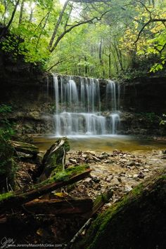 Branson Waterfall - Branson, Missouri, This is must to, just have to see it.plus all of the other neat places. Oh The Places You'll Go, Places To Travel, Places To Visit, Dream Vacations, Vacation Spots, Beautiful World, Beautiful Places, Gravure Photo, Branson Vacation