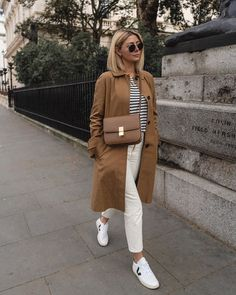 Fall Fashion Best Celine Bags: Emma Hill wears a Celine Classic bag Mode Outfits, Casual Outfits, Fashion Outfits, Womens Fashion, Girl Outfits, Fashion Tips, Fashion Trends, Fall Winter Outfits, Spring Outfits