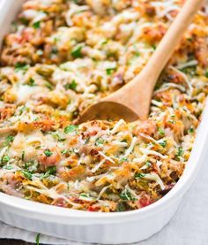 Spaghetti Squash Casserole | 17 Low Carb Casseroles | https://homemaderecipes.com/low-carb-casseroles-easy/