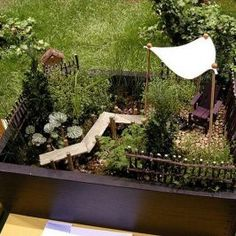 Fairy garden ideas are unique ideas to beautify your front or backyard more. Halloween Home Decor, Halloween House, Fall Home Decor, Small Apartment Closet, Apartment Bedrooms, Apartment Balcony Decorating, Porch Decorating, Small Living Rooms, Living Room Designs