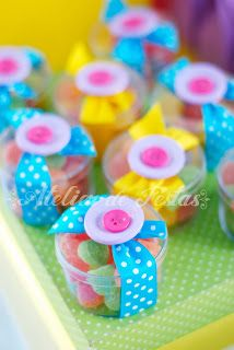 Cute for sewing party Candy Party, Party Treats, Girl Birthday, Birthday Parties, Diy And Crafts, Crafts For Kids, Lalaloopsy Party, Candy Crafts, Candy Favors