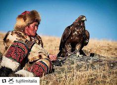 Foto del giorno dal mio account Instagram seguitemi! @fujifilmitalia #xt2 #xphotographer #exploring #travel #worldphotohunter #Mongolia #eagle #hunters http://ift.tt/2mi0KzG