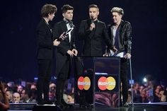 And they stood there and didn't know what to do. | The 31 Most Perfect One Direction Moments From The Brit Awards