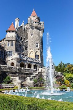 Fountain and grounds of Casa Loma in Toronto. http://www.tourbytransit.com/toronto/things-to-do/casaloma