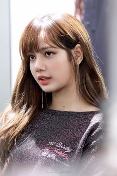 Girl Photo Poses, Girl Photos, Kpop Girl Groups, Kpop Girls, Rapper, Lisa Blackpink Wallpaper, Beautiful Goddess, Most Beautiful Indian Actress, Blackpink Lisa