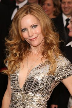 Leslie Mann and I have same eye color and maybe skin tone...need this haircolor?