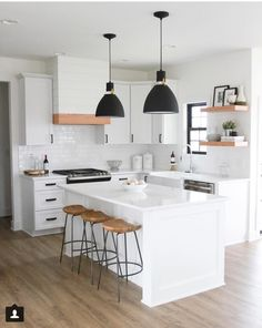 24 Beautiful White Kitchen Design Ideas And Decor. If you are looking for White Kitchen Design Ideas And Decor, You come to the right place. Below are the White Kitchen Design Ideas And Decor. This p. Modern Kitchen Interiors, Modern Farmhouse Kitchens, Interior Modern, Modern Kitchen Design, Home Decor Kitchen, Interior Design Kitchen, New Kitchen, Home Kitchens, Kitchen Lamps