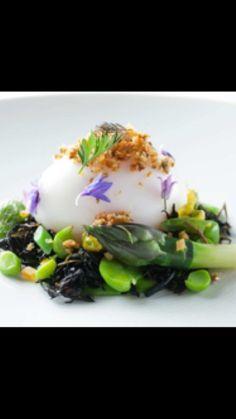 Soft poached egg, asparagus
