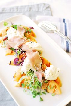 Grilled Cantaloupe and Burrata Salad with Prosciutto: Paired with creamy Burrata cheese and savory prosciutto, it's one of those really simple recipes that tastes incredibly special. It's a great dish for serving on the patio in the middle of summer! Side Recipes, Fruit Recipes, Real Food Recipes, Salad Recipes, Dinner Recipes, Healthy Recipes, Healthy Gourmet, Burrata Salad, Burrata Cheese