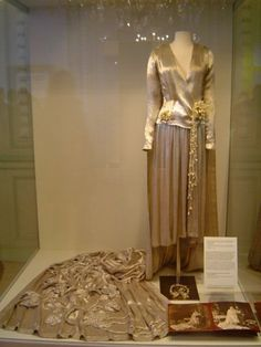 Favorite Royals and Beautiful Quotes: Wedding dress of Princess Astrid of Sweden when she married Prince Leopold (later King Leopold III of the Belgians) - November 10, 1926