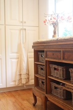 My Sweet Savannah: ~a colorful & eclectic house tour~ great idea for furniture with missing or damaged drawers Country Decor, Farmhouse Decor, Country Style, French Country, Painted Furniture, Home Furniture, Vintage Furniture, Homemade Furniture, Creative Decor