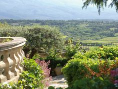 See the beauty of Crillon le Brave!!