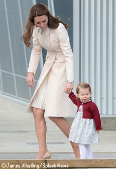 Duchess Catherine / Kate Middleton, with her daughter Princess Charlotte leaving Canada 2016