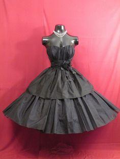 Años 50 Vintage 1950 negro gasa en niveles y por VintageVortex