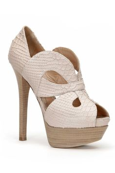 *breathless* u will be unstoppable if these heels are paired with a floral chiffon dress!
