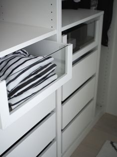 walk in closet / IKEA / PAX / KOMPLEMENT /Kuistin kautta blog