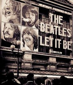 Beatles Guitar, The Beatles, Hard Rock Music, London Tours, Music Aesthetic, Hooray For Hollywood, Room Posters, Ringo Starr, Bob Dylan