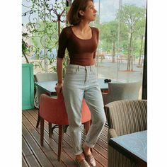 T Shirt And Jeans, Mom Jeans, Shraddha Das, Latest Images, Indian Designer Wear, Capri Pants, Actresses, Actors, How To Wear