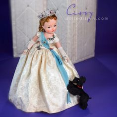 Cissy No. 2177 - a transitional period of her production with the newer one piece arms first introduced in some of the 1959 fashion dolls (Shari Lewis). The gown for the Cissy Queen changed to bell shaped with a new heavy net slip design for support . Antique Dolls, Vintage Dolls, Vintage Stuff, Vintage Madame Alexander Dolls, Dollhouse Dolls, Dolls Dolls, New Fashion Trends, How Train Your Dragon, Elizabeth Ii