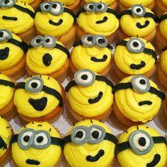Minion cupcakes #minion #despicableme #cupcake