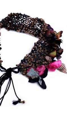 Accesorios: Collar Knited orquídea