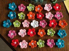 151 - bloemetjes op volgorde om aan te haken
