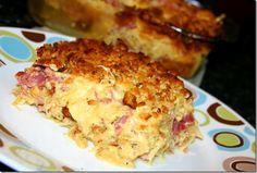 Cook Lisa Cook: Baked Reuben Casserole-this sounds pretty yummy! Reuben Casserole, Casserole Recipes, Beef Casserole, Breakfast Casserole, Beef Dishes, Food Dishes, Main Dishes, Side Dishes, Good Food