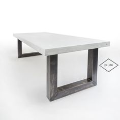 Beton look tafel met stalen u onderstel