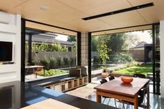 A prefab home extension in Melbourne that's simply prefabulous!