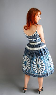 1950s Blue White Paisley Party Dress. Ethnic Print. Sundress. Summer Cotton Dress. Mad Men Fashion. Day Dress. Weddings. Size Medium