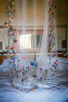The post Colourful hand embroidered wedding veil. 2019 appeared first on Floral Decor. Our Wedding, Dream Wedding, Long Wedding Veils, Diy Wedding Veil, Lace Wedding, Destination Wedding, Bridal Headpieces, Bridal Hair, Marry Me
