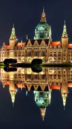 Hannover Rathaus , germany iPhone 5 wallpapers, backgrounds, 640 x 1136