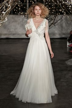 Jenny Packham ~ Spring/Summer 2014 Bridal Wear Collection (Includes Catwalk/Runway Film) >> http://www.lovemydress.net/blog/2013/10/jenny-packham-spring-summer-2014-bridal-wear-collection.html