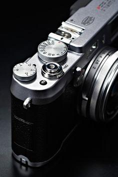 Latest camera from best brands, buy online all types of Cameras. Old Cameras, Vintage Cameras, Fuji Camera, Camera Lens, Latest Camera, Fixed Lens, Best Digital Camera, Classic Camera, Camera Reviews