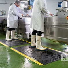 Kleen-Komfort Safety - The anti-fatigue rubber mat with highly visible safety border graphics. Rubber Mat, Shopping Websites, Beautiful Space, Safety, Graphics, Security Guard, Graphic Design, Printmaking