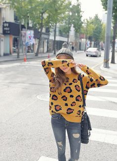 All Korean Fashion items up to 60%OFF! (Sale ends 2nd Nov, 2014) REDOPIN - Leopard Pattern Sweater #sweater #leopardpatternsweater #leopardpattern