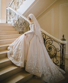 China Long Sleeves Muslim Bridal Ball Gown Lace Hijab Wedding Dresses - China Wedding Dresses, Bridal Dress Source by izzycaid dresses hijab Muslim Gown, Muslim Wedding Gown, Muslimah Wedding Dress, Muslim Wedding Dresses, Dream Wedding Dresses, Wedding Gowns, Muslim Hijab, Wedding Hijab Styles, Wedding Cakes
