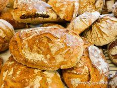 Baka med surdeg Sourdough Recipes, Bread Recipes, Piece Of Bread, Dinner With Friends, Bread Baking, Veggie Recipes, Good Food, Food And Drink, Veggies
