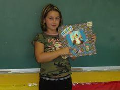 Classe de madame Bernice: décembre 2011 Classroom Door, Madame, Education, Women, Children Reading, Onderwijs, Learning, Woman