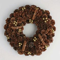 TAG Jardin Christmas Pinecone Wreath