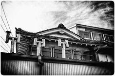 中村 雅之 (@nakamura_furoyanoentotsu) • Instagram photos and videos Japanese Buildings, Mansions, Photo And Video, House Styles, Videos, Photos, Instagram, Decor, Pictures